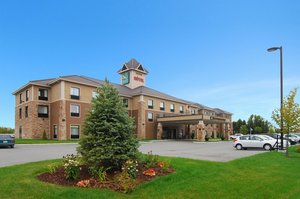 Exterior view - Quality Inn & Suites Val-d'Or
