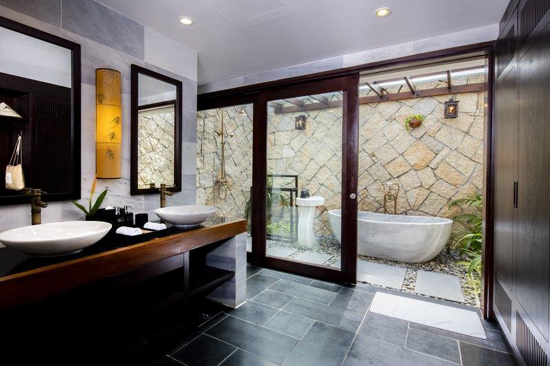 Ocean Deluxe Bathroom at Amiana Resort Nha Trang