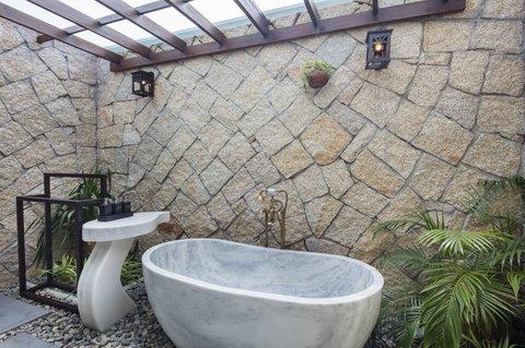 Ocean Deluxe Bath Tub at Amiana Resort Nha Trang