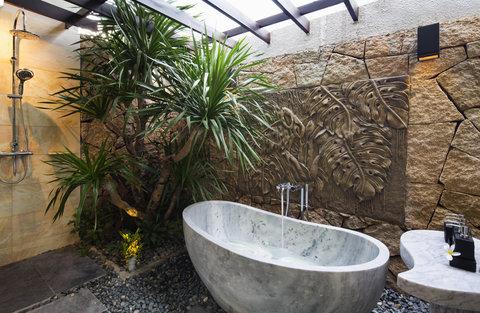 Deluxe Bathtub at Amiana Resort Nha Trang