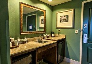 Bar - Hampton Inn & Suites Tallahassee