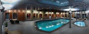 Pool - DoubleTree By Hilton Hotel Gatineau