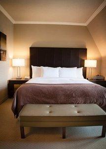 Room - DoubleTree By Hilton Hotel Gatineau