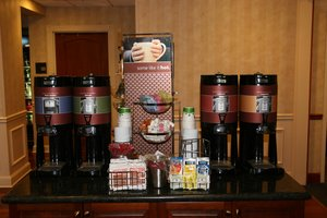 Restaurant - Hampton Inn & Suites Clinton