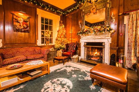 Lounge at Christmas