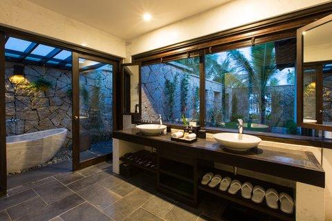 Ocean Pool Villa Bathroom at Amiana Resort