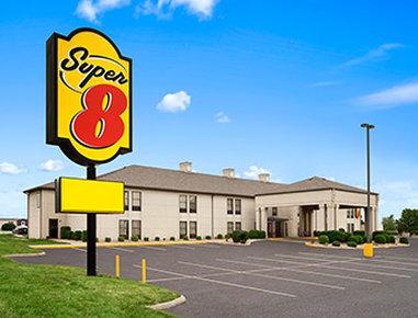 Super 8 Evansville North