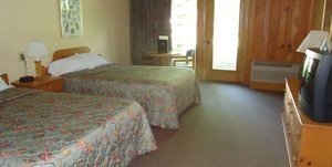 Room - Holiday Acres Resort Rhinelander