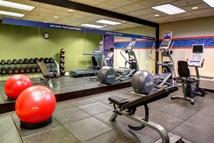 Fitness/ Exercise Room - Hampton Inn Downtown Historic District Columbia