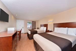 ... Room   Americas Best Value Inn St Clairsville