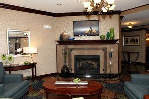 Lobby - Holiday Inn Express Hotel & Suites Hospital Springfield