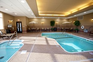 Pool - Holiday Inn Express Hotel & Suites Hospital Springfield