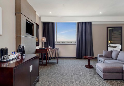 Executive King Guest Room - Living Area