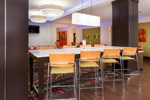Restaurant - Holiday Inn Express Hotel & Suites Monroe