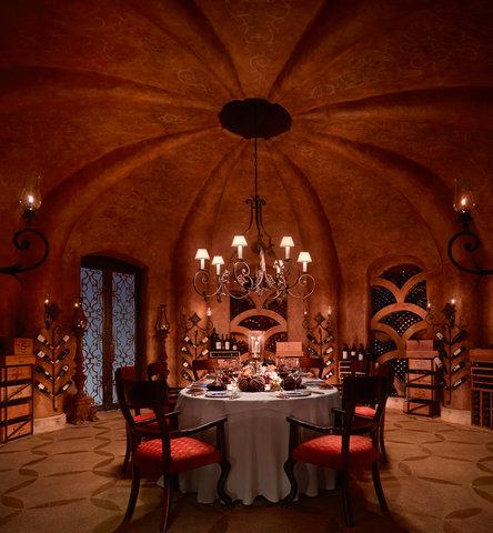 La Cava Wine Room