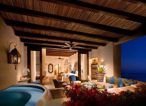 Oceanfront Rooftop Terrace Junior Suite