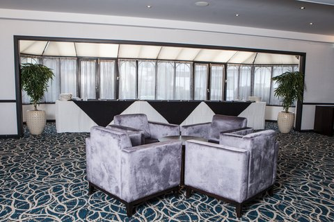 Willow Suite Lounge