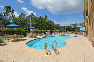 Pool - Holiday Inn Express Temple Terrace