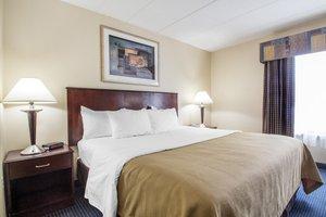 Room - Quality Inn Lawrenceville