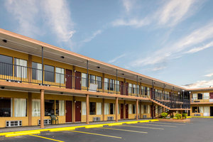 ... Exterior View   Econo Lodge U0026 Suites Hot Springs