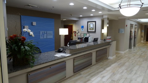 Lobby Entrance and Front Desk