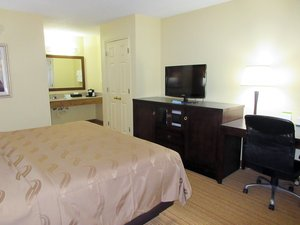 Room - Quality Inn Anderson