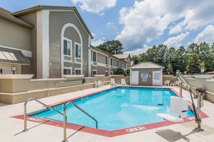 Pool - Comfort Inn & Suites Greenwood