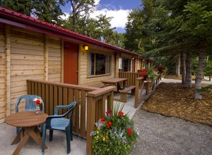 ... Exterior View   Pocahontas Cabins Jasper