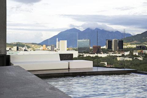 Pool Cerro De La Silla View