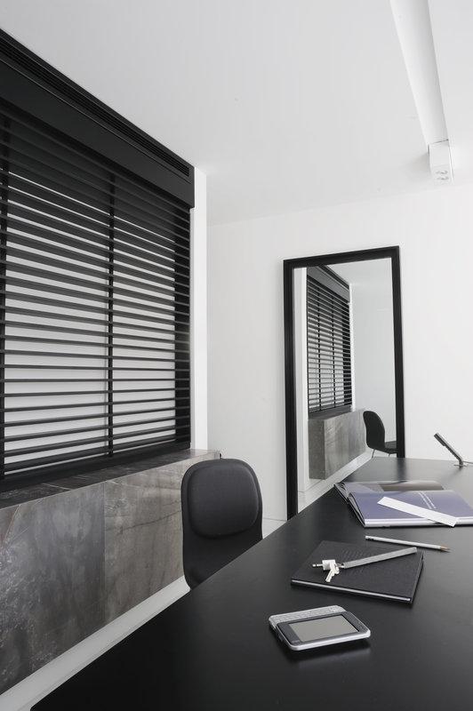 Superior Room Desk