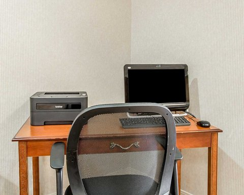 Business center with free wireless Internet access