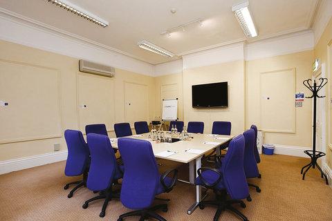 Maple Meeting Room