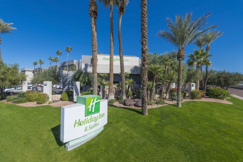 Holiday Inn & Suites Phoenix-Airport North