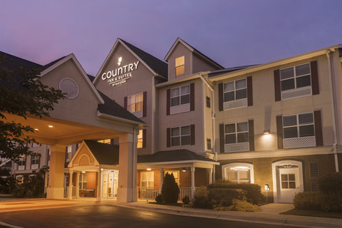 Country Inn & Suites by Radisson Columbus, FT. Benning